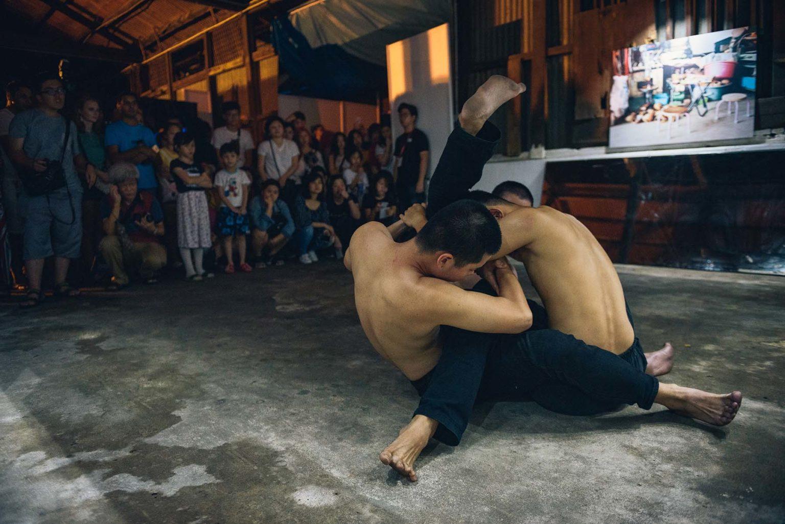 DSC_5147_YMOI_BFF_Dancepiece Shou by Beh Chin Lau_exhibition Silent Witness by Claudia den Boer_foto Thum Chia Chieh_2018